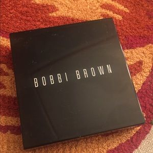 Bobbi Brown eyeshadow palette Sandy Nude